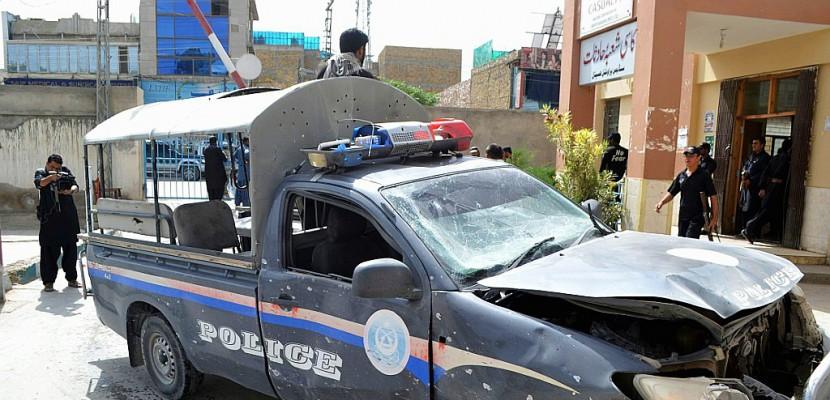 Explosion devant un QG de la police au Pakistan, au moins 11 morts