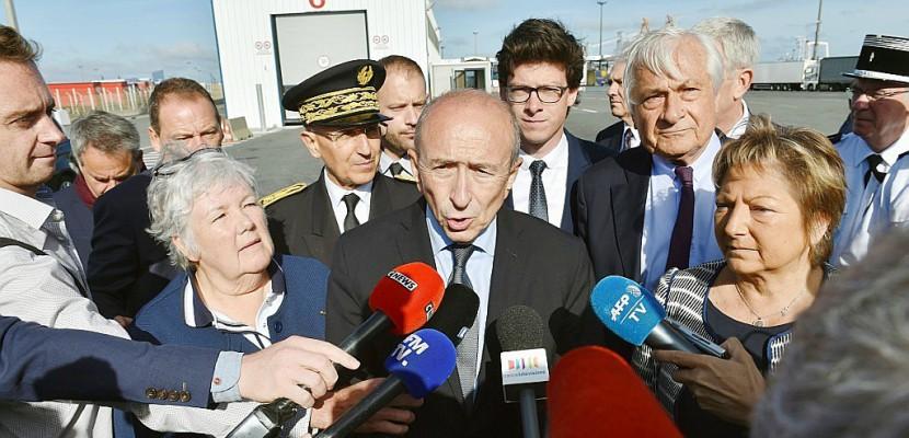 """Migrants: Collomb va présenter d'ici quinze jours un """"plan"""" sur l'asile"""
