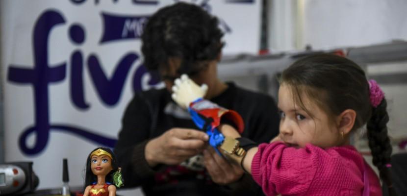 En Colombie, des enfants super-héros grâce à des prothèses ludiques