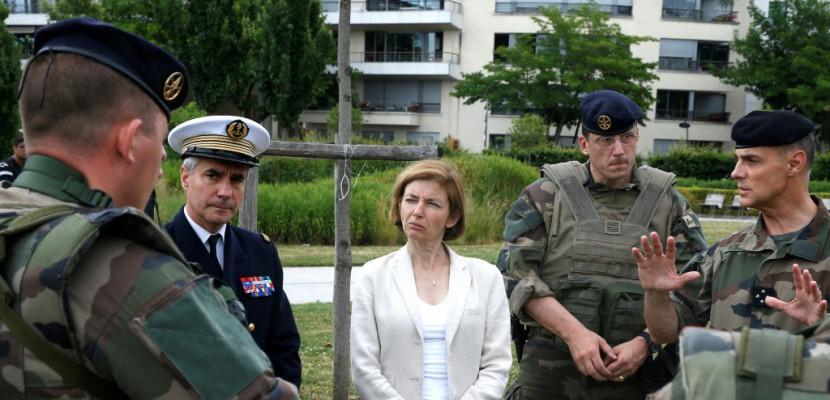 Budget des armées: Florence Parly s'efforce de rassurer les militaires