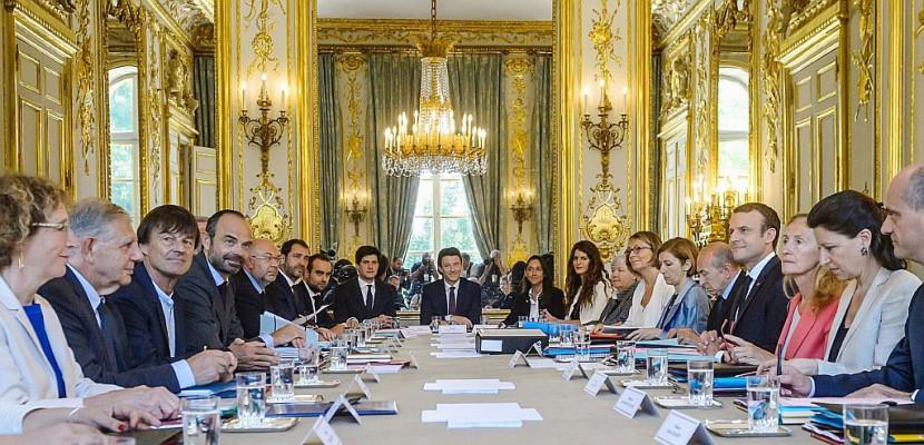 Code du travail: le projet autorisant à réformer par ordonnances en Conseil des ministres