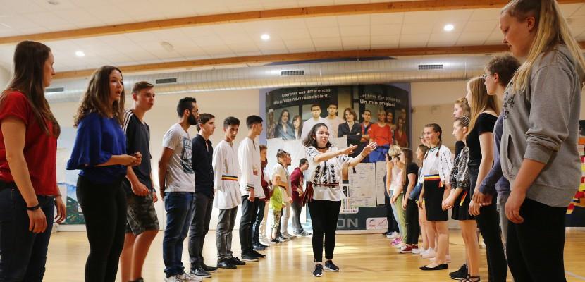 Ils viennent d'Allemagne, de Pologne, de Roumanie... A Cherbourg, de jeunes Européens en échange dans le quartier des Provinces