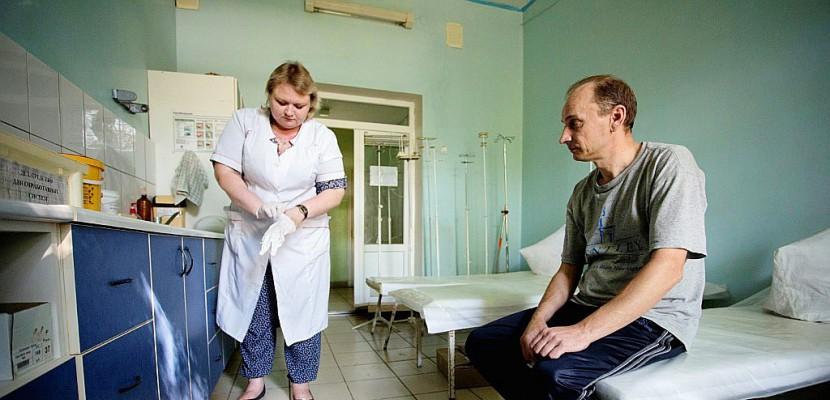 Ukraine: l'est rebelle face à un risque d'épidémie de VIH