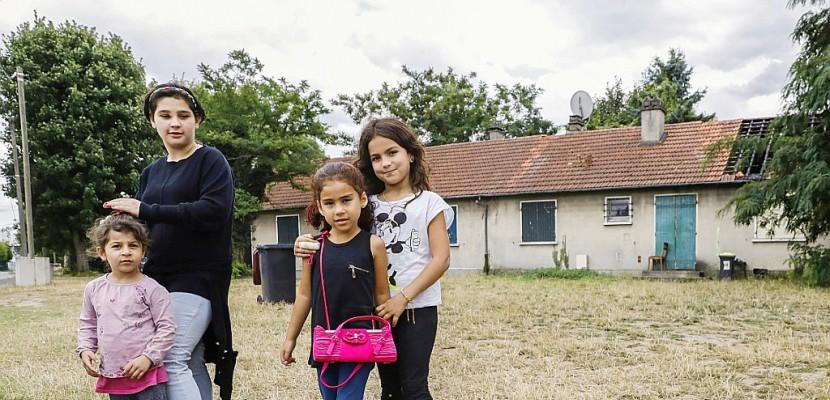 Près d'Orly, des Syriens veulent rester dans des maisons abandonnées de l'Etat