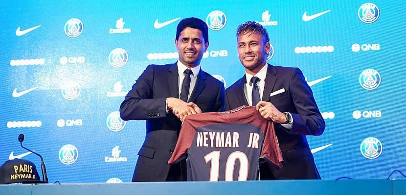 """Neymar """"rêve plus grand"""" à Paris qu'à Barcelone"""