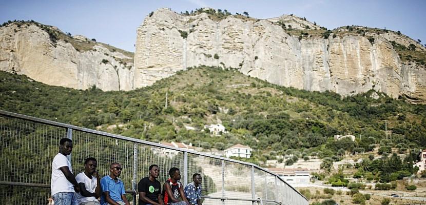 """Migrants à Vintimille: """"Même si c'est condamné, on veut aller en France"""""""