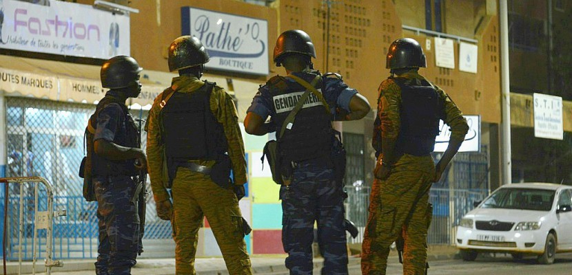 "Burkina: 17 morts dans une ""attaque terroriste"" contre un restaurant à Ouagadougou"