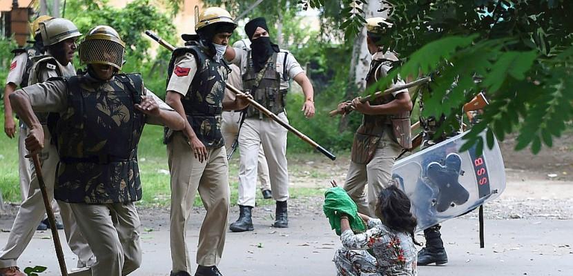 Gourou condamné pour viol en Inde: de violents heurts font 32 morts