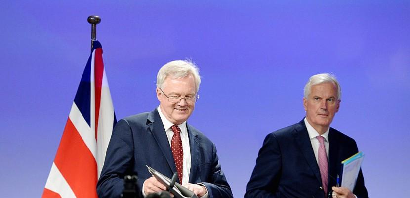 Brexit: les négociations reprennent dans un climat de défiance