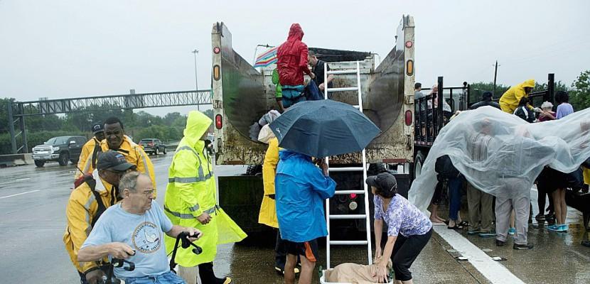 Harvey: 30.000 personnes attendues dans les centres d'évacuation