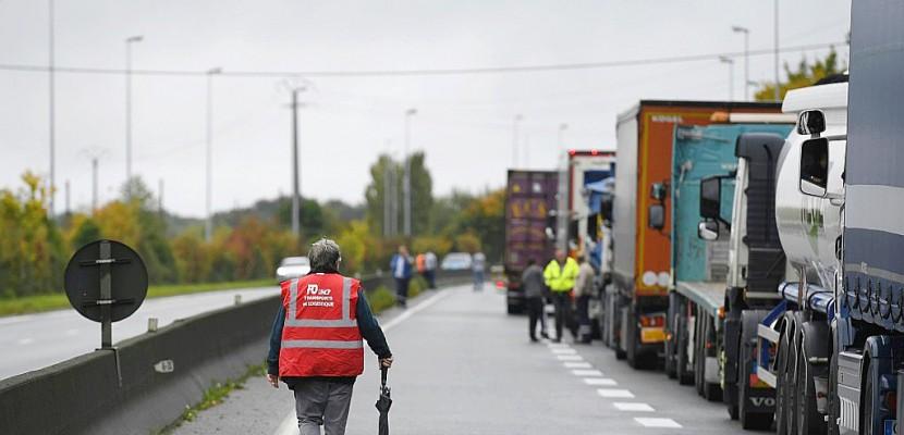 Réforme du travail: l'avenir du mouvement des routiers en suspens