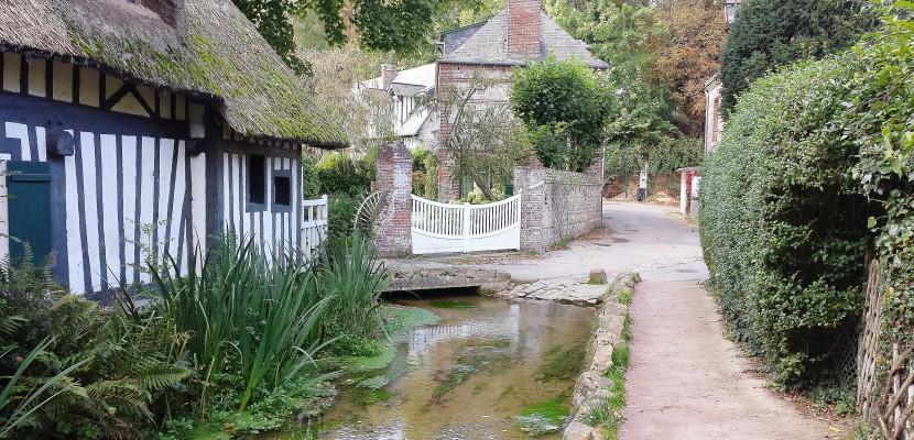 """Veules-les-Roses obtient le label """"Plus beaux villages de France"""""""