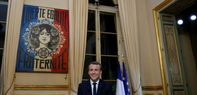 Street art et design contemporain: la communication visuelle d'Emmanuel Macron