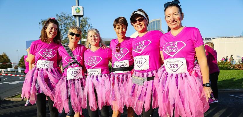 La Rivière rose: 4 000 femmes à Tourville-la-Rivière pour lutter contre le cancer du sein