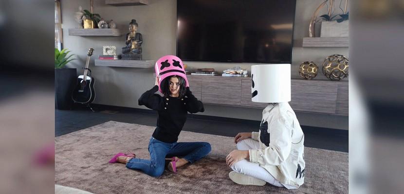 ÉCOUTEZ : Selena Gomez (featuring Marshmello) de retour avec Wolves