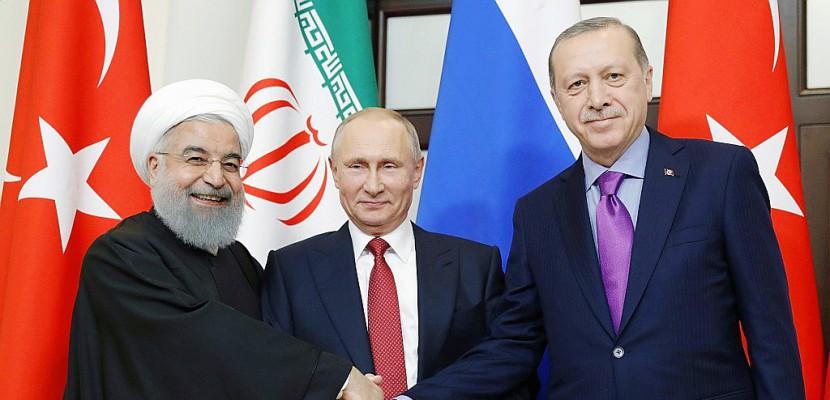 Syrie: Poutine rallie Erdogan et Rohani à l'idée d'une réunion politique en Russie