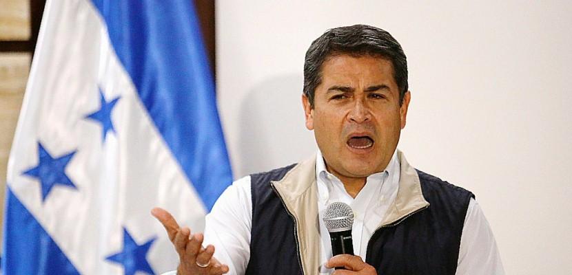 Présidentielle au Honduras: malgré le couvre-feu, la colère gronde