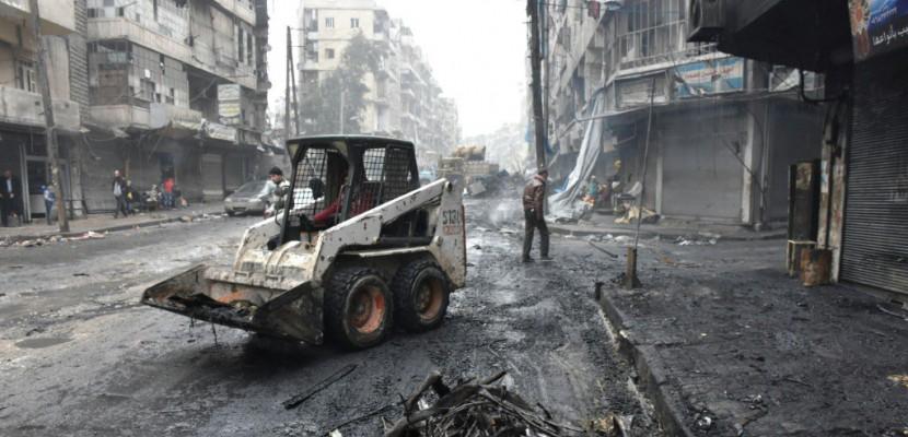 Un an après la chute d'Alep, des réfugiés hantés par la douleur du départ