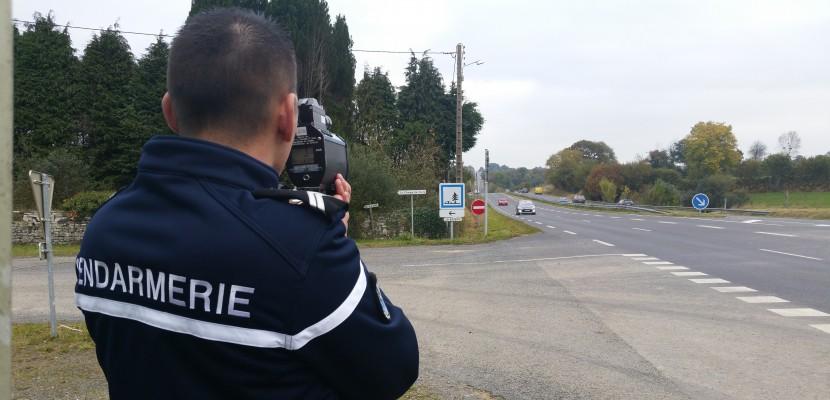 Manche : un motard flashé à 164 km/h au lieu de 90 sur une départementale