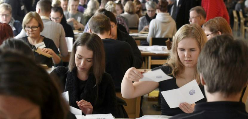 Finlande: le sortant Niinistö en pôle position pour remporter la présidentielle