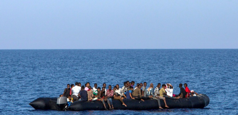 Naufrage en Méditerranée: au moins 90 migrants donnés pour morts
