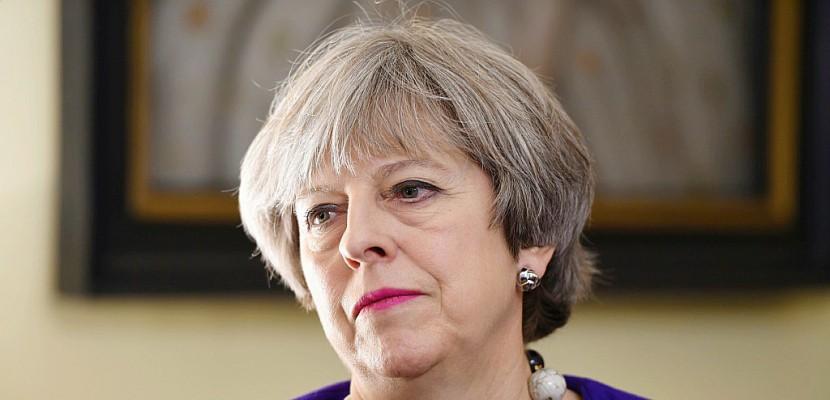 Brexit: Theresa May reçoit Michel Barnier en pleine division de l'exécutif