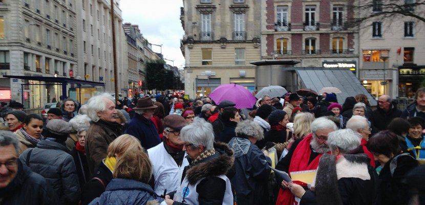 Des dizaines de militants rassemblés à Rouen contre la circulaire Collomb