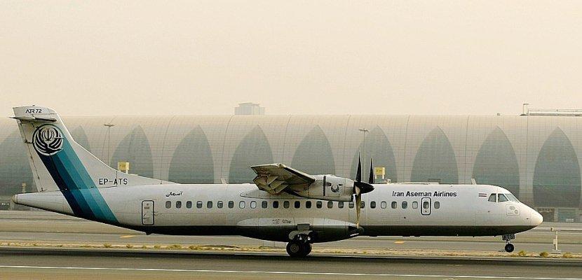 Crash d'avion en Iran: craintes pour la vie des 66 personnes à bord