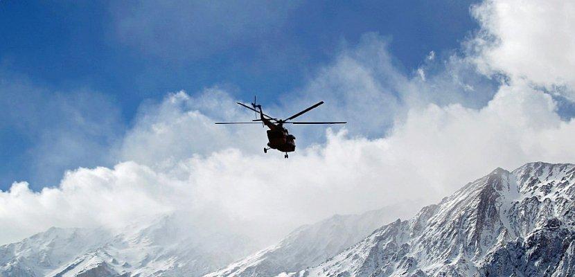 Crash d'avion en Iran: l'évacuation des corps s'annonce délicate