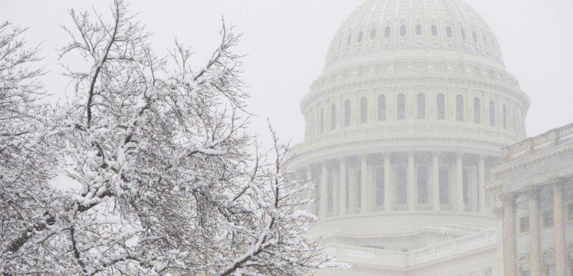 """USA: la Chambre et le Sénat approuvent le budget, évitent un """"shutdown"""""""