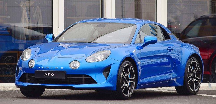 Une Alpine, fabriquée à Dieppe, vendue près de 74 000 euros aux enchères