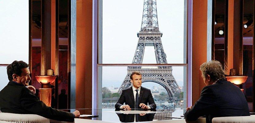 """Macron se justifie sur la Syrie et ne voit pas de """"coagulation"""" des mécontentements"""