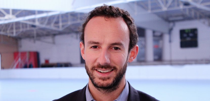 """Antoine Rage du Roller Hockey Caen : """"Jouer chez moi avec le maillot bleu c'est génial"""""""