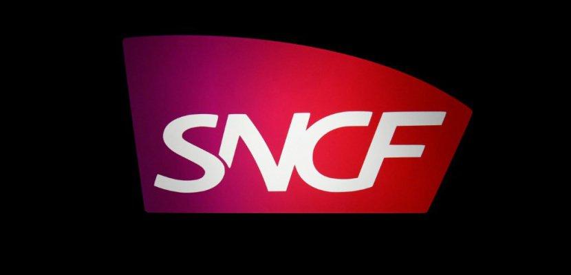"""La reprise de la dette de la SNCF se fera """"sans augmentation d'impôt"""", assure Darmanin"""