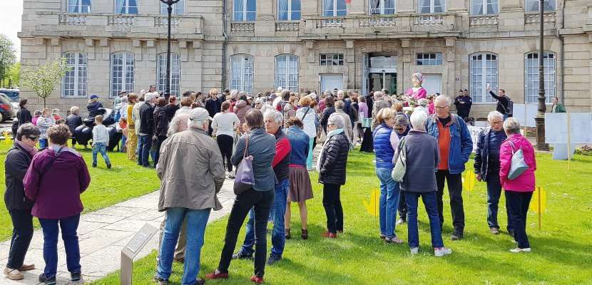 Une marche funèbre pour le centre social de Courteille
