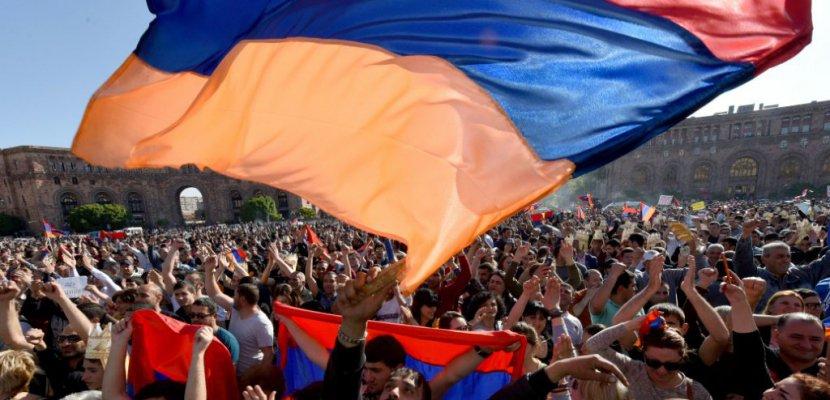 Arménie: la crise politique s'aggrave, nouvelles manifestations annoncées
