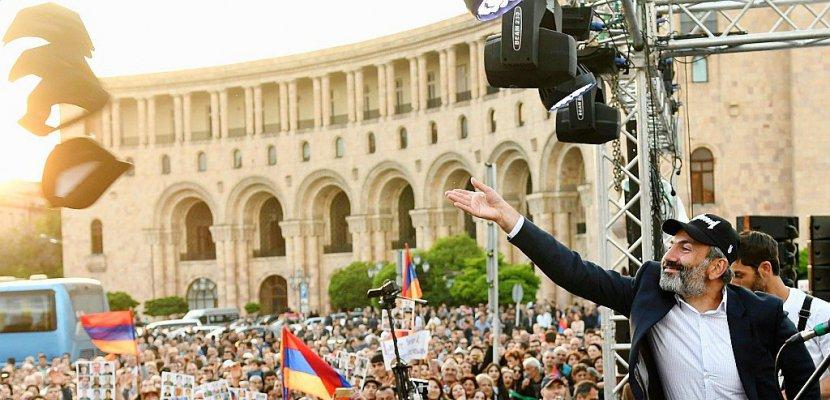 Arménie: élection d'un nouveau Premier ministre, l'opposant Pachinian seul candidat