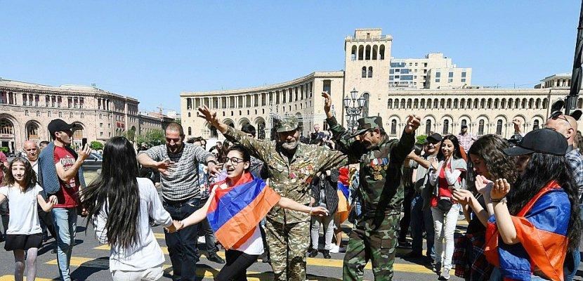 Arménie: la crise s'aggrave, les pro-Pachinian paralysent Erevan