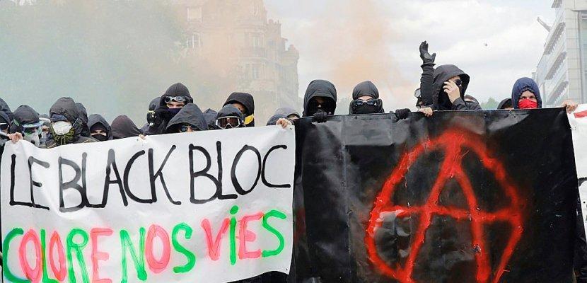 """Les """"black blocs"""", une contestation violente qui vise surtout les """"symboles"""""""