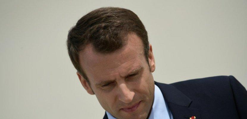 Sondage: bilan négatif pour Macron après un an de pouvoir