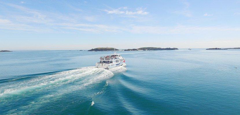 Stéphanie de Bayeux (Calvados) gagne unetraversée en bateau vers les Îles Chausey, et un appareil photo Bridge SONY