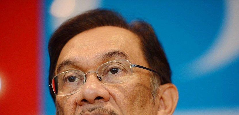 Malaisie: l'opposant Anwar bientôt gracié pour un retour en politique