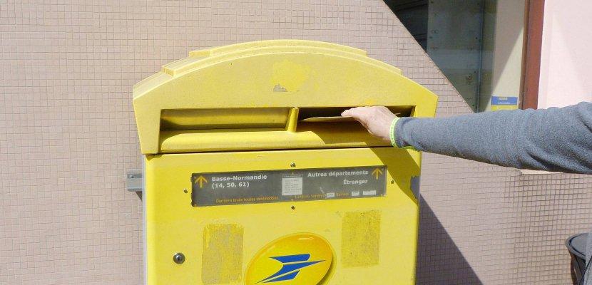 À Dieppe, 3000 cartes postales adressées au Président pour la défense du service public