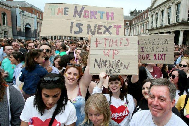 Oui irlandais à l'IVG: un désaveu pour l'Eglise, un catalyseur pour Belfast