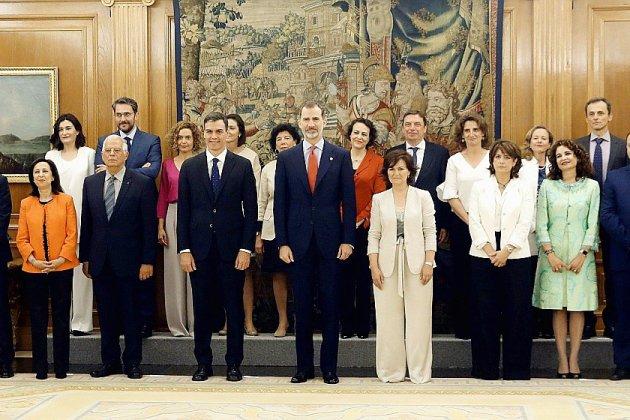Espagne: le gouvernement le plus féminin de l'histoire du pays a prêté serment