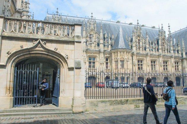 """Il dealait pour """"dépanner"""" : un homme condamné à Rouen"""