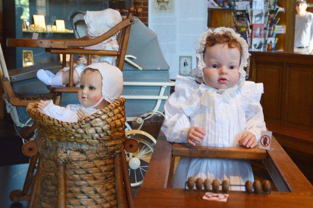 Exposition: Lorsque l'enfant paraît au château de Martainville