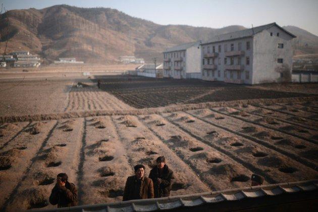 """Derrière l'offensive de charme de Kim, la Corée du Nord, """"prison à ciel ouvert"""""""