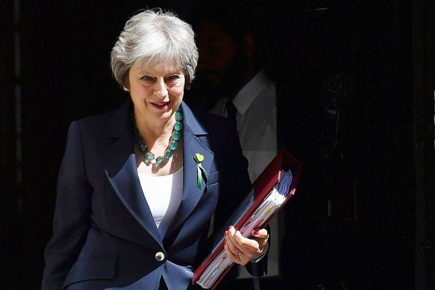 Brexit: semaine cruciale pour Theresa May