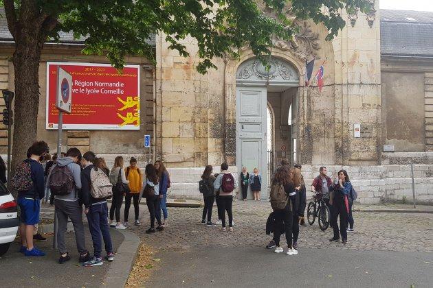 """Bac et Coupe du Monde: """"la galère"""" pour les lycéens rouennais"""